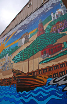 mural at Colucci's Hilltop Market
